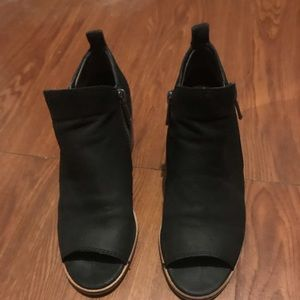 Shoes - Lucky Brand Shoes 5.5 worn twice